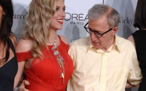 the premiere of Vicky Cristina Barcelona, Woody Allen can be seen clearly checking out what the Black Widow has to offer. If he was any closer his tongue would be around one of those bad boys. Not the most subtle of looks, but hey, good on him. Just too bad he didn't try a little cheeky finger on side-boob action.