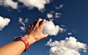 Who has imagined what it feels like to physically touch a cloud before, and seeing what they're actually made of? Every kid in the world has considered this, and imagined the cotton-candy sensation of a big white cloud. That's why this picture is awesome.